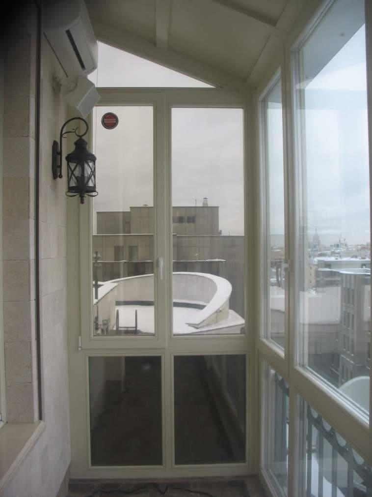 Остекление балконов москва..